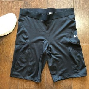 Women's Nike Hypercool Spandex Shorts Black L